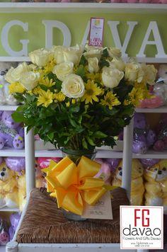 Yellow Roses and Mums in A Vase  www.FGDavao.com Flowers Gifts Delivery  #flowers #flowersinavase #vasearrangement #flowerarrangement #sendflowers #flowerdelivery #flowershop #flowersdavao #flowerph #florist #fgdavao #fgflowers #love #surprise #gift #expressionoflove #romanticsurprise #romanticgift