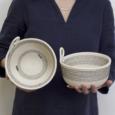 Deep Woven Cotton Striped Rustic Modern Storage Bowl, 6 inches x 4 inches Coin Purse Tutorial, Zipper Pouch Tutorial, Tote Tutorial, Sewing Projects For Beginners, Sewing Tutorials, Bag Tutorials, Knitting Terms, Rope Decor, Bag Patterns To Sew