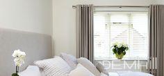 Combinación de cortinas y persianas