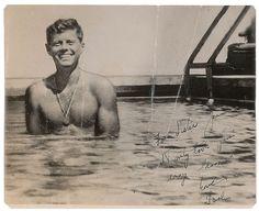 John F Kennedy, Les Kennedy, Caroline Kennedy, Young Jfk, Couple Photography Poses, Friend Photography, Maternity Photography, Family Photography, Jfk Jr