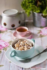 Pani Paszczakowa gotuje: Sałatka z makaronem, szynką, kukurydzą i ogórkiem konserwowym Cereal, Breakfast, Blog, Morning Coffee, Blogging, Breakfast Cereal, Corn Flakes