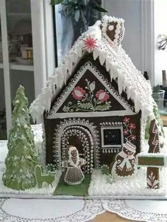 Gingerbread House by catrulz. This is some serious piping! Gingerbread Village, Gingerbread Decorations, Christmas Gingerbread House, Gingerbread Man, Gingerbread Cookies, Christmas Decorations, Christmas Houses, Christmas Goodies, Christmas Baking
