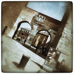 Milano Pusterla di S. Ambrogio #huawei #ascendmate7 #milano #milan #architettura #architecture #milanodavedere #photooftheday #instapic #bestoftheday #picoftheday #urban #ancient #door #gate #snapseed #perspective #igersmilano #volgomilano #volgoitalia #loves_italia by giopad1965