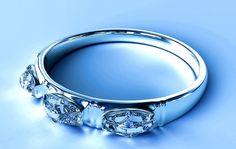 Er zijn verschillende manieren waarop je verkleurd zilver kunt schoonmaken. Over wat de beste wijze is, lopen de meningen uiteen. De HuishoudCoach heeft de 4 handigste methoden plus bijbehorende voor- en nadelen voor je op een rijtje gezet, zodat je zelf kunt kiezen welke jij het meest geschikt vindt. Poets daarmee komende maand jouw zilveren