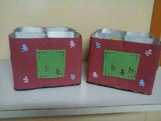 Porta mamadeiras com reciclagem de caixa de leite, revestido e decorado com E V A