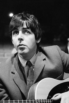 Do you mind to come back to Brazil for another concert? Please Sir Paul, Please.