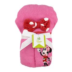 Bathtime is bonding time for you and your baby. Keep your little mouse warm and cozy after her bath with the Minnie Mouse hooded towel. An embroidered Minnie Mouse decorates the pink towel with Minnie's signature bow on the hood. The 100% cotton towel coordinates with the Minnie Mouse bath collection