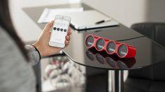 Nimbus est un gadget entièrement personnalisable, doté de quatre écrans et qui analyse et suit ce qui est important pour vous. La personnalisation se fait à l'aide d'un smartphone et permet de visualiser les informations clés en temps réel. http://www.moodds.com/high-tech/812-nimbus-tableau-bord-personnalise.html