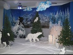 Homecoming Decorations, School Decorations, Snow Theme, Winter Theme, Arctic Decorations, Operation Arctic, Christmas Classroom Door, Fair Theme, Library Themes