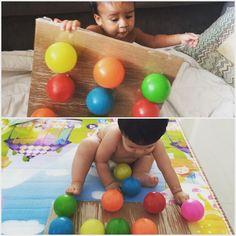 """Brincar e Aprender on Instagram: """"⠀ 🔹Descolando bolinhas do papelão . 🔹Material: papelão, fita durex, bolas coloridas . 🔹Descrição: cortei o papelão e coloquei fita adesiva…"""" Baby Learning, Exercise, Instagram, Mockup, Duct Tape, Polka Dot, Ribbons, Stickers, Ejercicio"""