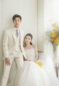 Pre Wedding Photoshoot, Wedding Poses, Wedding Suits, Wedding Couples, Wedding Dresses, Wedding Images, Wedding Styles, Korean Wedding Photography, Matching Couple Outfits