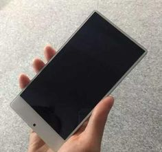 Безрамочный смартфон Xiaomi Mi Mix может выйти в упрощенной версии за $145