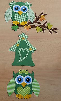 "Fensterbild aus Tonkarton ""Eulen im Herbst"". Fall Classroom Decorations, Christmas Window Decorations, Diy And Crafts, Arts And Crafts, Paper Crafts, Felt Ornaments, Christmas Ornaments, Owl Art, Preschool Crafts"