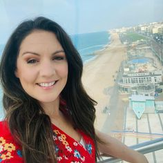 """Laura tobin on Instagram: """"☀️ After a foggy start in Brighton the sun is out. 🤩The views are stunning across Brighton on the @ba_i360 It travels up to 450 ft high…"""""""