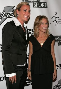 Abby Wambach and Sheryl Crow, 27th Annual Salute To Women In Sports Awards Dinner, Waldorf Astoria Hotel, New York City, Oct. 16, 2006. (Bryan Bedder/Getty Images)