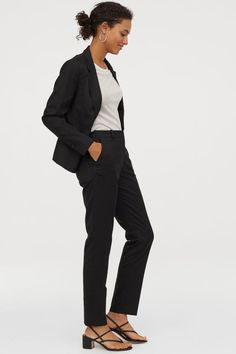 Suit trousers in a stretch weave with a regular waist, zip fly and concealed hook-and-eye fastening. Side pockets and tapered legs with creases. Serie Suits, Suits Tv Shows, Trouser Suits, Suit Pants, Trousers, Black Suit Men, Black Women, Suits Harvey, Women's Suits