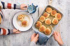Quitten-Dampfnudeln - Rezepte | little FOOBY Griddle Pan, Pretzel Bites, Breakfast, Food, Pancakes, Breads, Gallery, Entree Recipes, Kid Cooking