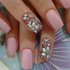 Rosa, blanco, verde y piedras Cute Nail Art, Cute Nails, Pretty Nails, Fingernail Polish Designs, Nail Polish Art, Classy Nail Designs, Nail Art Designs, Pearl Nails, Flower Nail Art