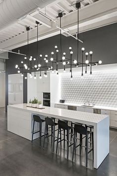 Modern Kitchen Interior Remodeling 10 Kitchen Backsplash Ideas to Consider ASAP Modern Interior Design, Interior Design Kitchen, Modern Decor, Modern Interiors, Luxury Interior, Luxury Kitchen Design, Modern Lamps, Luxury Decor, Modern Furniture