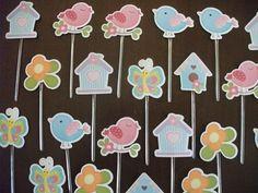 Toppers para docinhos e cupcakes, com recorte especial. Impressos em papel opaline 180gms ( ou similar) no modelo corujinhas, passarinhos, jardim, etc,... . em torno de 3,5 cm. .Com certeza um diferencial em sua festa, dando um colorido especial à sua mesa de doces.. Muito delicado mesmo .PEDIDO ...