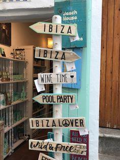 Wooden Signs - Ibiza Town Ibiza Pool Party, Ibiza Town, Ibiza Style, Ibiza Fashion, Garden Signs, House Party, Diys, School, Projects