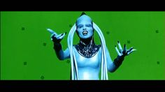 Watch French actress Maïwenn Besco's entire green screen rendition of the Diva Dance Opera performance from The Fifth Element, in all its arm-flapping glory.