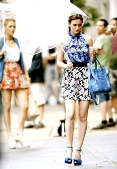 Gossip Girl. gorgeous shot of blair and serena w/ umbrellas. Their style is perfect.