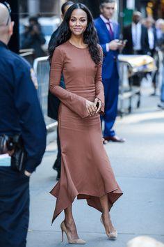 Zoe Saldana in Sies Marjan - Street Style Zoe Saldana, Roselyn Sanchez, Michelle Trachtenberg, Nice Dresses, Casual Dresses, Carey Mulligan, Looks Street Style, Amber Rose, Famous Women