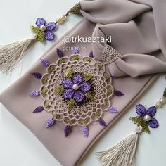 Otomatik alternatif metin yok. Crochet Art, Cotton Crochet, Knitting Videos, Knitting Yarn, Embroidery On Clothes, Scarf Jewelry, Garden Ornaments, Bobbin Lace, Craft Items