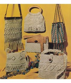 12 Belts & Bags Macrame Patterns & Instructions w/ Knot Reference - Vintage 1971 Book
