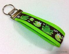 Schlüsselanhänger Schlüsselband grün Frösche von kleine Kuschelrobbe auf DaWanda.com