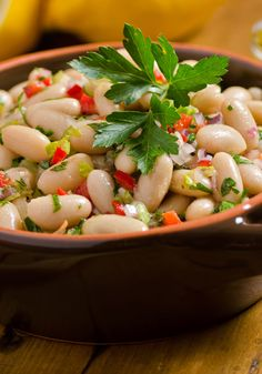 Italian Green and White Bean Salad (Insalata di Fagioli Bicolore) – Traditional Recipe - Your Food Tube Tasty Vegetarian Recipes, Easy Healthy Recipes, Healthy Meals, Clean Eating Diet, Clean Eating Recipes, Eating Healthy, Cannellini Bean Salad, Plat Simple, Bean Salad Recipes
