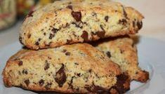 Nydelige Scones med sjokolade Recipe Boards, Cookies, Scones, Banana Bread, Nom Nom, Biscuits, Side Dishes, Recipies, Food And Drink