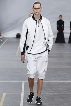 Y-3 Spring 2016 Menswear Fashion Show
