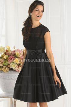 A-Line/Princess Bateau Knee-length Taffeta Bridesmaid Dress