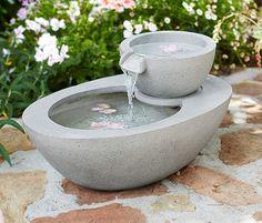 399,95 zł Doskonała podczas małej przerwy w pracach ogrodniczych. Solarna fontanna ogrodowa dzięki długiemu przewodowi może zostać ustawiona w dowolnym miejscu. Delikatne szemranie wody uspokaja i relaksuje.