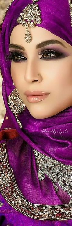 indian fashion Suits -- Click above VISIT link for Beautiful Eyes, Beautiful Women, Color Violeta, Arabic Makeup, Simple Eye Makeup, Exotic Beauties, All Things Purple, Purple Fashion, Shades Of Purple