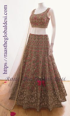 GARBA CHANIYA CHOLI 2019 Latest designer & custom-made Chaniya Choli's exclusively online.Browse our beautiful designer collection ! Available in the USA, Canada & Australia! Lehenga Choli Designs, Indian Designer Outfits, Indian Outfits, Designer Dresses, Ethnic Outfits, Indian Clothes, Lehnga Dress, Lehenga Gown, Net Lehenga
