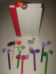 Make this 'Book Worm Bookmark Craft' to encourage student reading at independent time or at home ~ Need pom-poms, wiggly eyes, popsicle sticks, and glue. Crafts To Do, Craft Projects, Crafts For Kids, Projects To Try, Arts And Crafts, Worm Crafts, Bookmark Craft, Bookmarks, Classroom Crafts