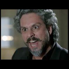 José Alfredo (Alexandre Nero) fica furioso ao ter a confirmação de que José Pedro (Caio Blat) é mesmo Fabrício Melgaço, em 'Império', em março de 2015
