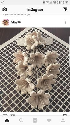 Irish lace Irish crochet flower motifs, off white flower applique, Irish crochet decor, wedding decor Set of 3 Crochet Poppy, Crochet Doily Rug, Crochet Tablecloth, Crochet Flowers, Crochet Stitches, Irish Crochet Patterns, Crochet Collar, Irish Lace, Flower Applique