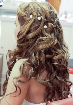 Curls and sparkles! My favorite!