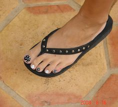 Black White Polka Dot Toe Nails
