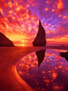Bandon, Oregon sunset. Love the silhouette! >>>Guys don't forget to follow me #welliesandworms