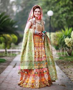 So gorgeous Bridal Mehndi Dresses, Walima Dress, Bridal Lehenga, Wedding Party Dresses, Floral Lehenga, Bride Dresses, Pakistani Wedding Outfits, Bridal Outfits, Pakistani Dresses