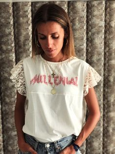 T-shirt e pizzo Vichy Red Millenial Daily Fashion, Teen Fashion, Fancy Tops, Mom Outfits, Mode Style, Diy Clothes, Shirt Style, Alternative Fashion, Ideias Fashion