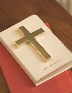 Confirmation Cross: This classic Christian cross is an elegant reminder of your faith. Ideal as a paperweight or gift celebrating Christmas, Easter, Baptism and Confirmation.