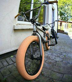 Gt Bmx, Zendaya Hair, Bmx Street, Bmx Freestyle, Nice Art, Bmx Bikes, Bike Stuff, Skates, Tricycle