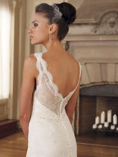 {The Dress} --if my dress isn't this classy, heads will roll.