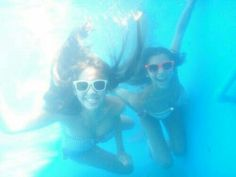 Take a picture underwater with my best friend